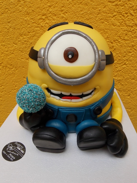 Minion Torte mit Cake Pop