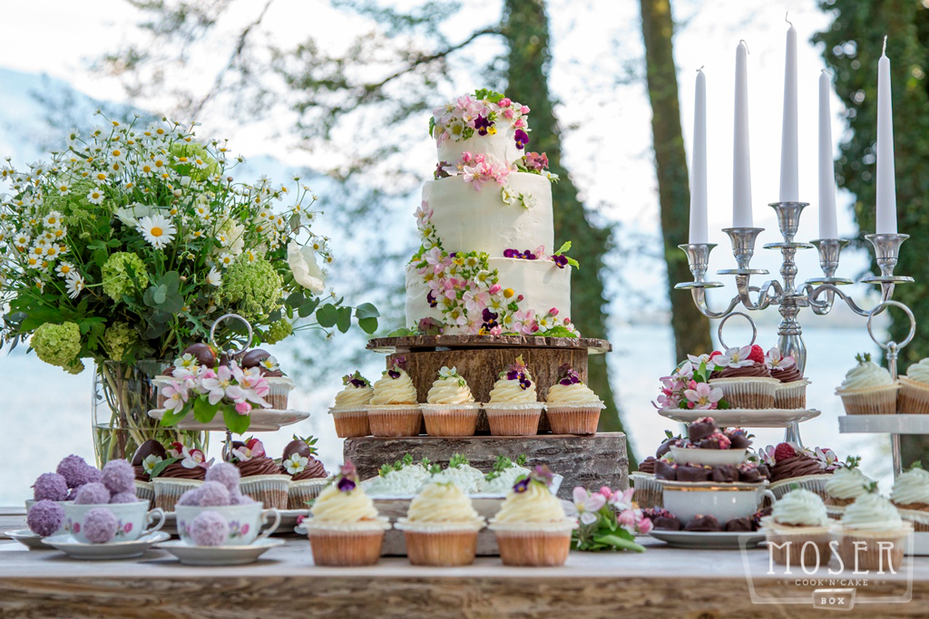 Sweet Table mit Torte Attersee Grafengut / Traunsee Gmunden