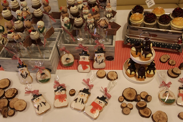 Sweet Table Candy Bar Winter Cookies Cake Pops